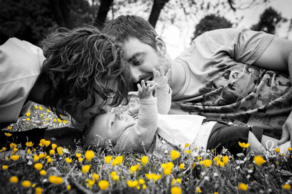 Familia-bebe-parque-flores