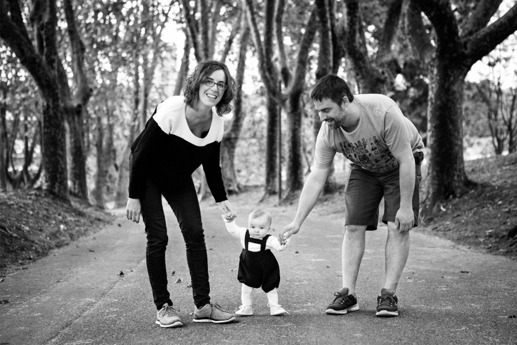 Familia-parque-bebe