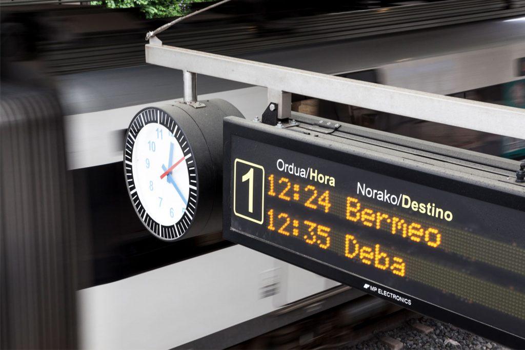 Publicidad-metro-euskotren-bilbao-horario